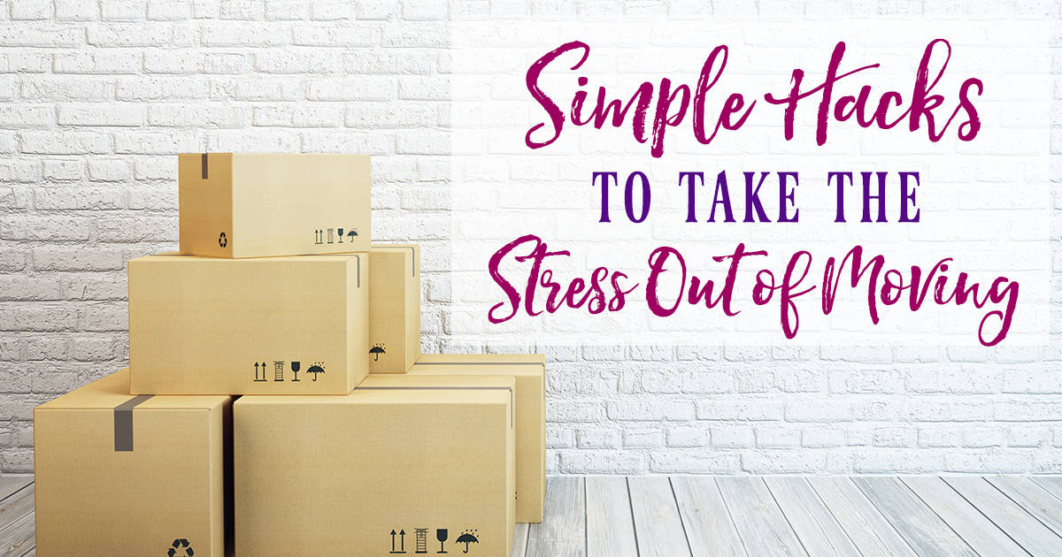 Does the thought of moving seem overwhelming? These simple hacks will help take the stress out of moving and stay organized in the process. moving tips I moving I moving tips packing I organization I homemaking II Faith Along the Way #moving #organize #homemakingtiips